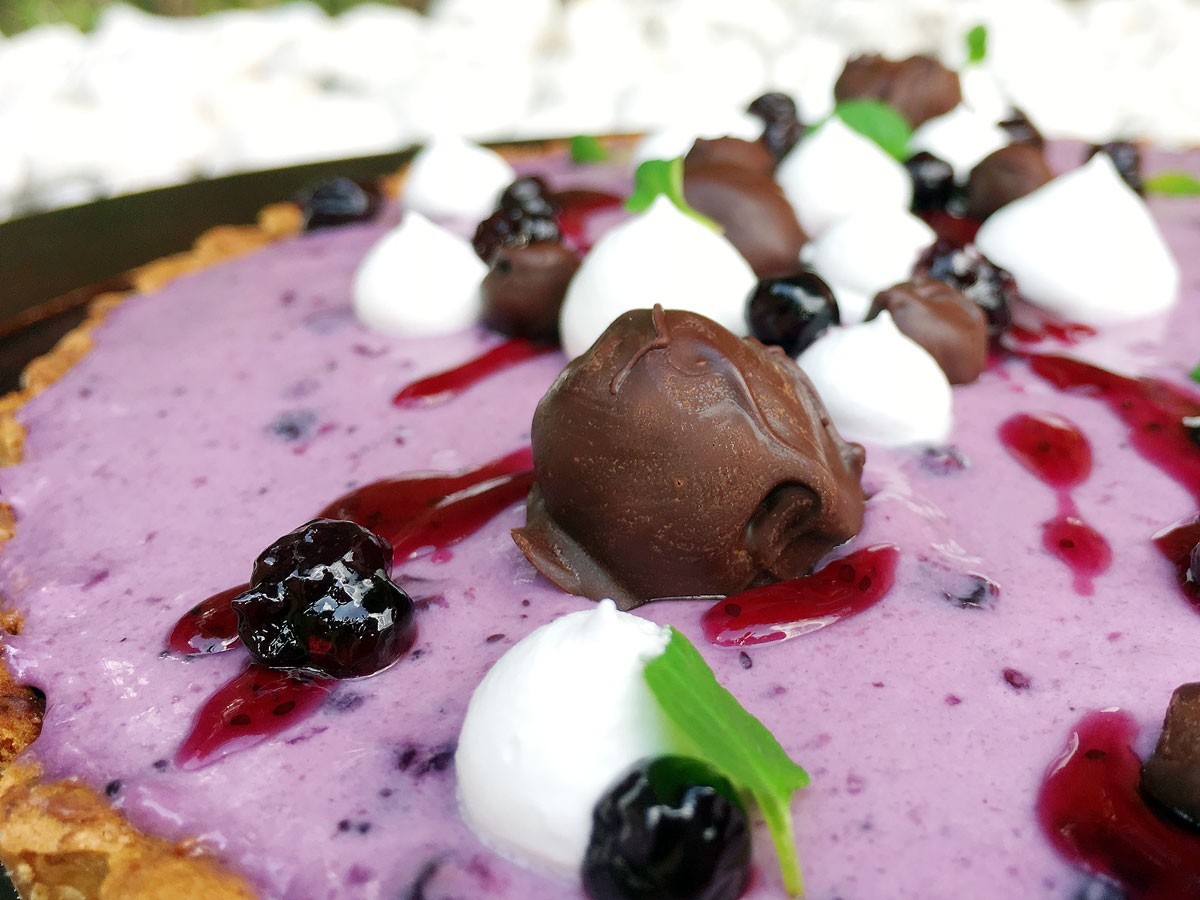 Tartaleta de Chocolate 70% Cacao y Mousse de Blueberries