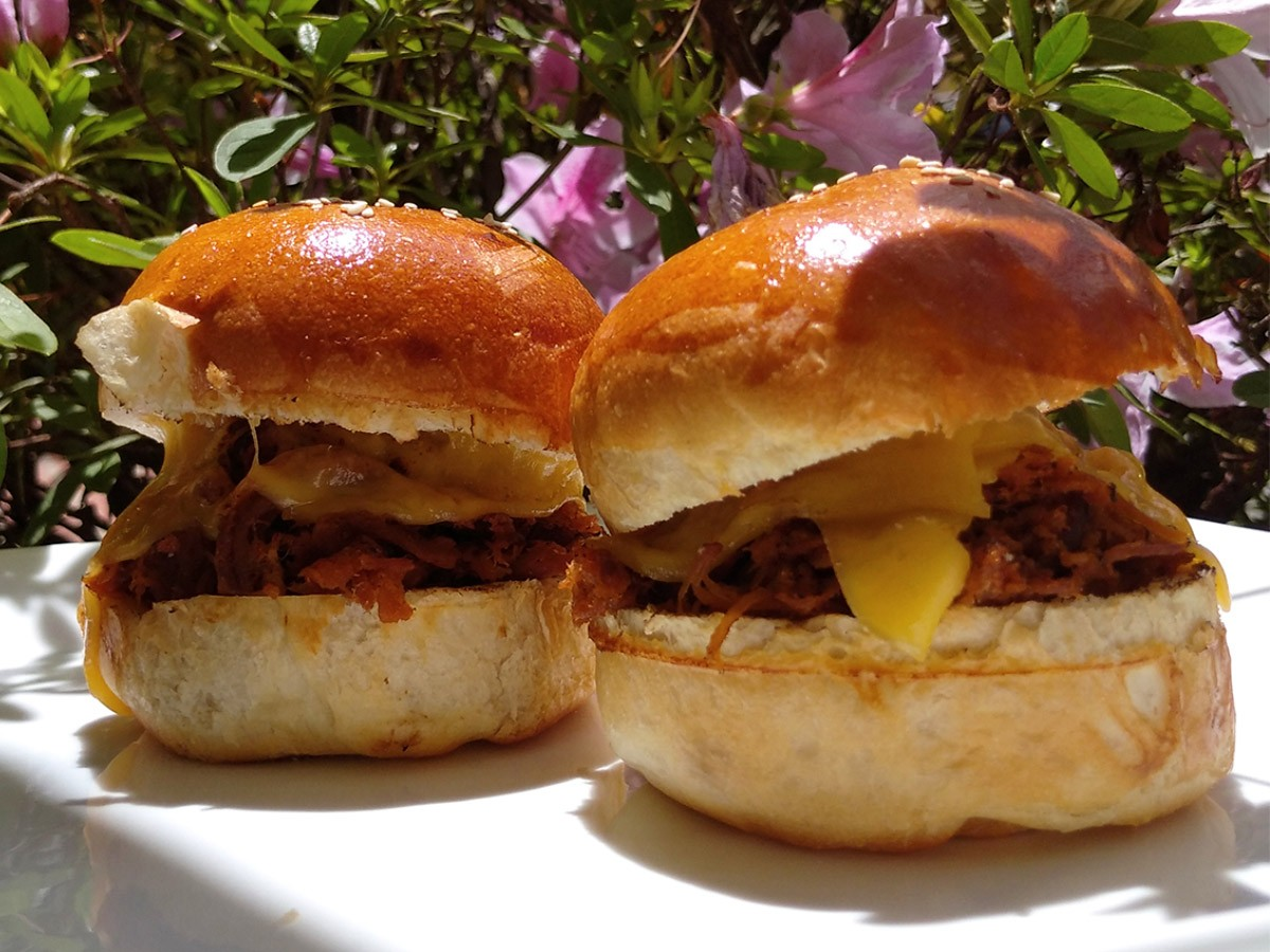 PULLED PORK - Sandwich + Papas Rústicas