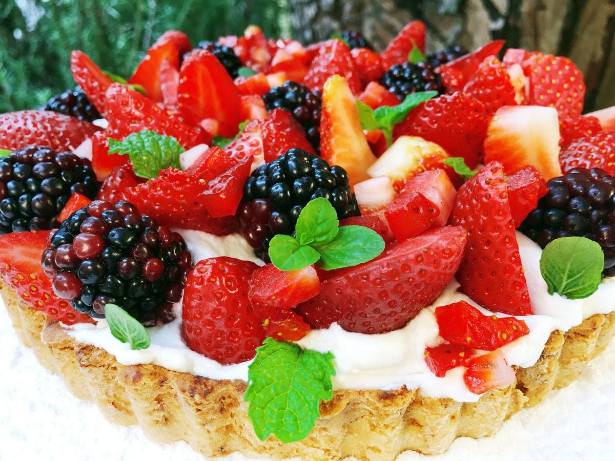 Tartaleta de Fresas, Moras y Crema (Pequeña)