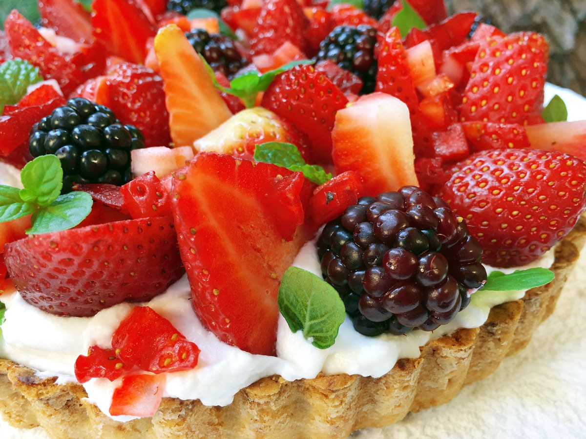 Tartaleta de Fresas, Moras y Crema (Grande)