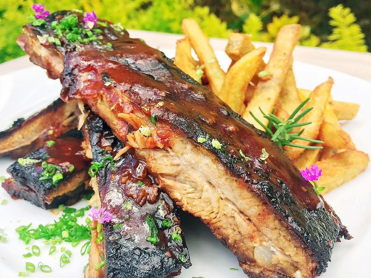 La Rapidita | Costillas de Cerdo en BBQ de Chipotle y Ron Linaje
