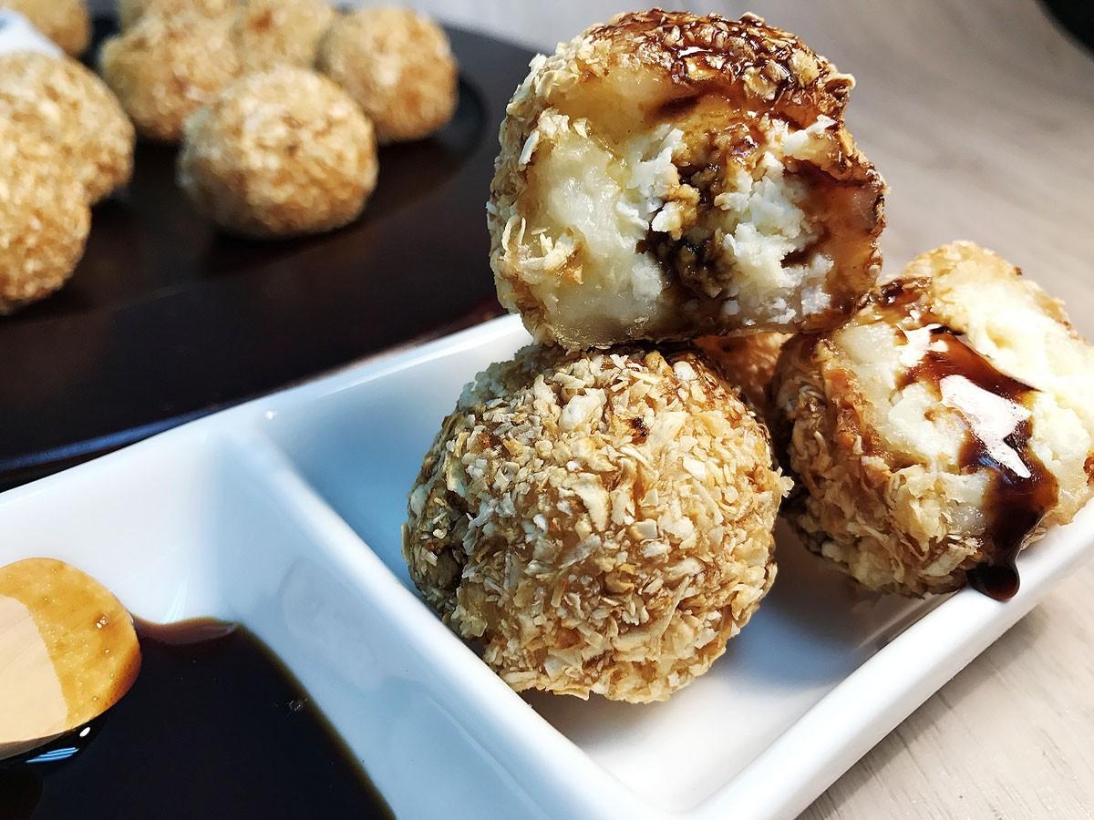 La Marina | Buñuelos de Yuca rellenos de queso