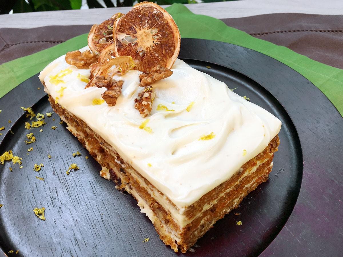 Torta Húmeda de Zanahorias con Notas de Naranja